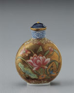 Glass bodied painted enamel snuff bottle with lotus design