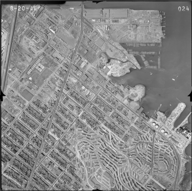 24. San Francisco Aerial Photo Survey.